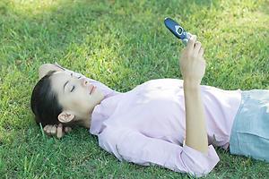 как возбудить парня по телефону